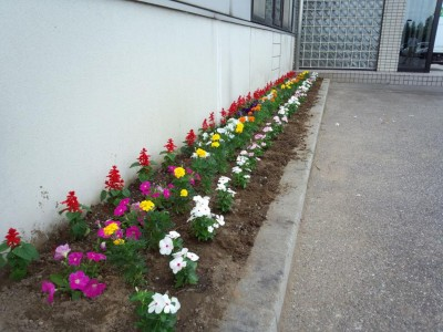 http://www.niwanone.jp/garden/example/2013/07/post-30.html